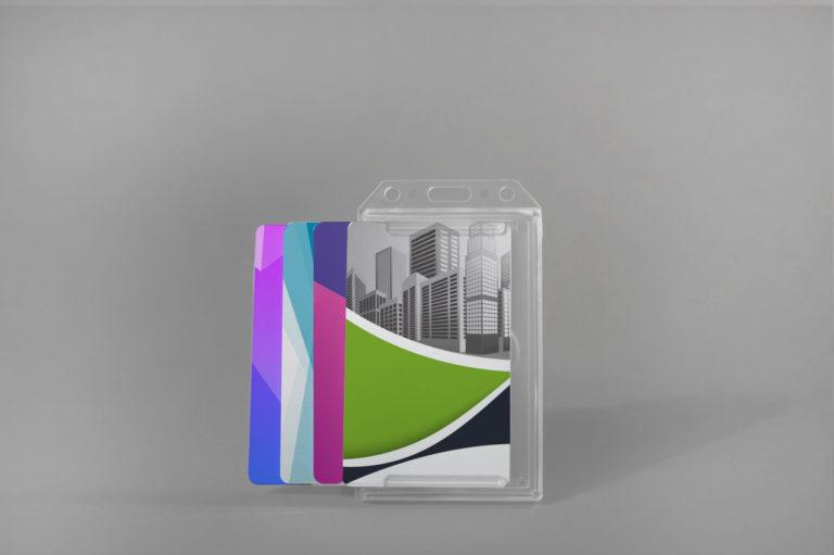 Trdi etui za več kartic (vertikalni)