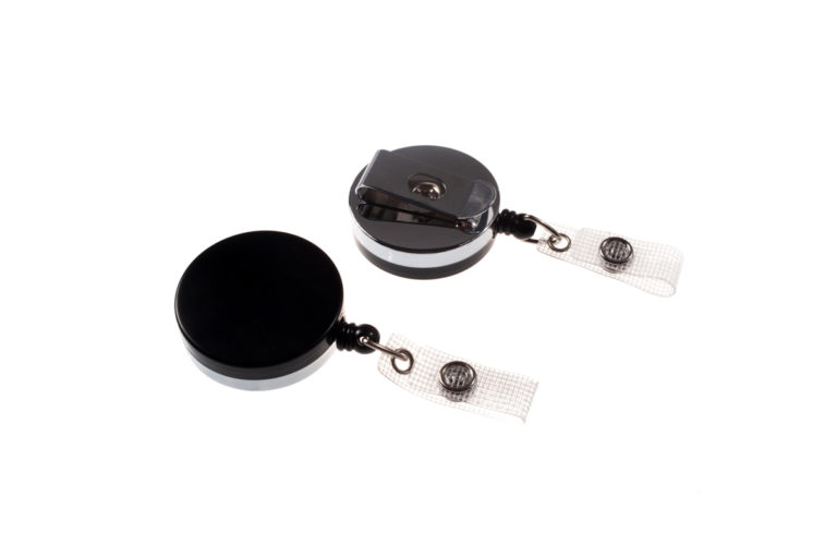Heavy-duty badge reel with metal cord